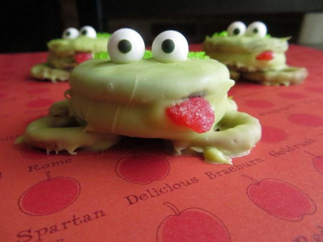 Oreo Frogs  Package of Green Candy Melts Oreo Cookies Pretzels Red Candy for your tongue Green Sprinkles