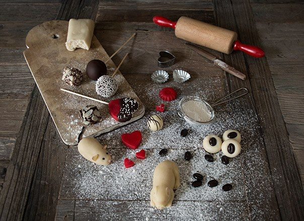 Homemade marzipan ( Norwegian version )
