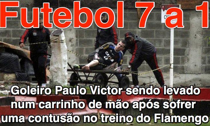 Futebol 7 a 1 ➤ http://espn.uol.com.br/video/519268_lesionado-paulo-victor-deixa-treino-do-fla-carregado-em-carrinho-de-mao ②⓪①⑤ ⓪⑥ ①⑦ Goleiro Paulo Victor sendo levado num carrinho de mão após sofrer uma contusão no treino do Flamengo.