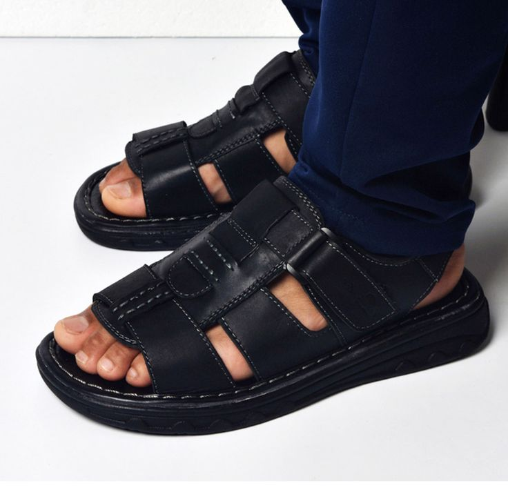 >> Click to Buy << mens genuine leather sandals 2017 new breathable fashion closed toe sandals for men leisure buckle strap water sandals T032121 #Affiliate