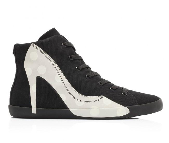 ADRIANA FLAT 45 - Scarpa sportiva alla caviglia in canvas di cotone e suola in gomma con tacco interno. Sul lato la stampa della silhouette di una decolletè borchiata. #olofashion #shoes #sneakers