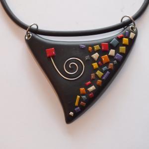 Collier triangle multicolore (Mosaique) , Vente en ligne de bijoux fimo