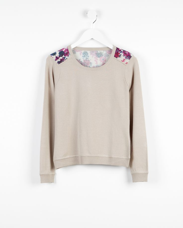 Floral printed sweater http://bit.ly/1DvtUQy Jersey con estampado floral http://bit.ly/1rkwiEr