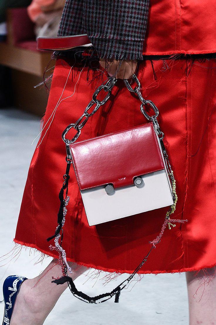 100 лучших сумок будущей весны по итогам Недели моды в Милане | Журнал Harper's Bazaar