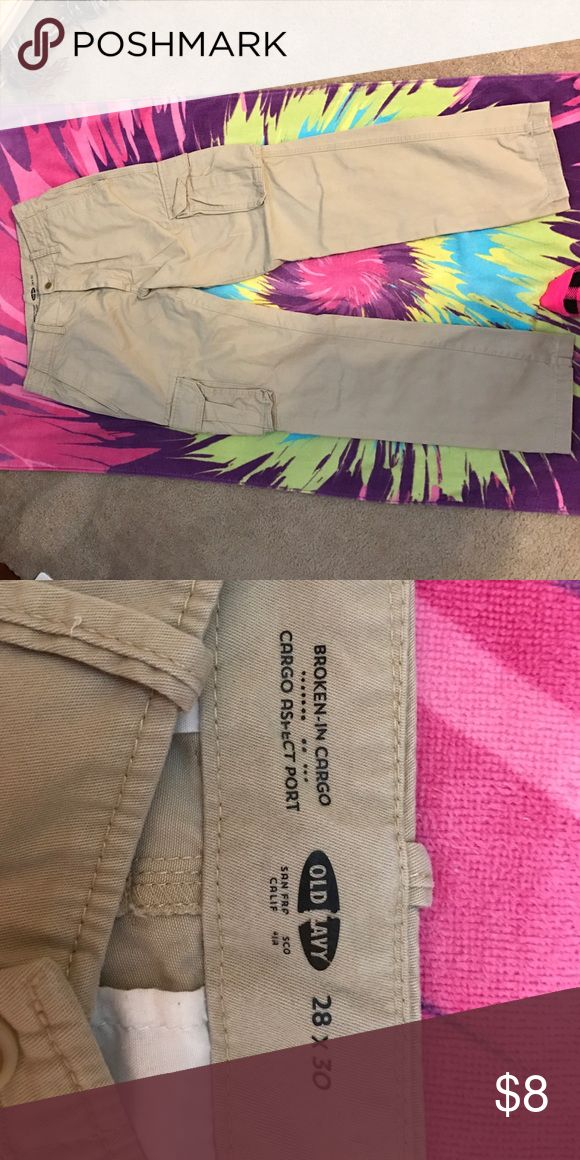 Old Navy men's cargo pants Old Navy men's cargo pants. Size 28x30. In great condition!  Only warn a couple of times. Old Navy Pants Cargo