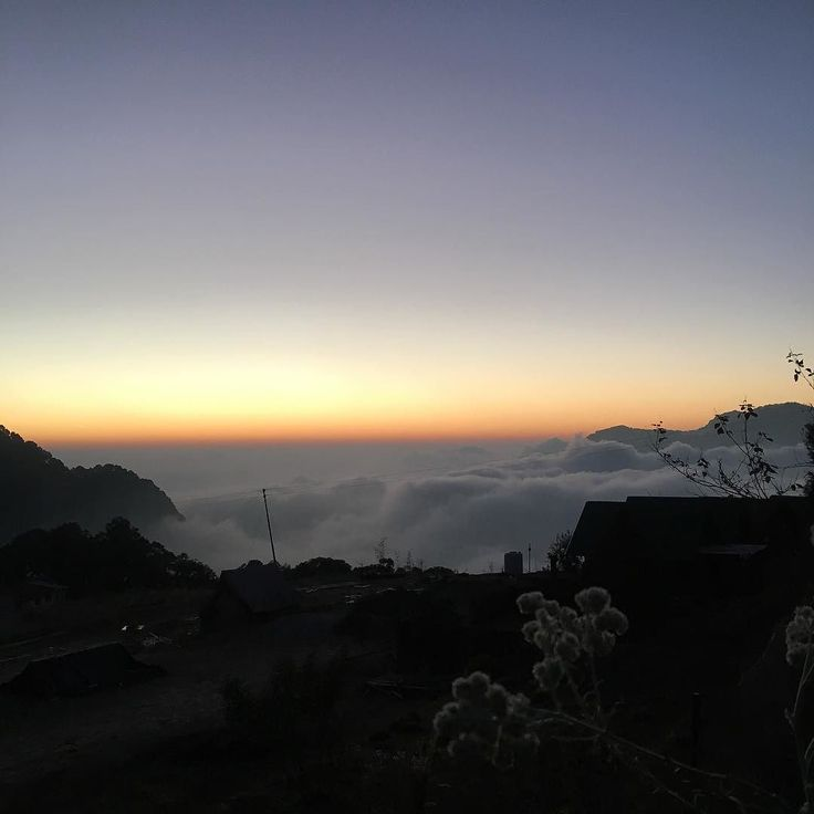 I know I'm not alone in saying 2016 is not what I had planned. I've had plenty of ups and my fair share of downs but waking up above the clouds in the Indian Himalayas has certainly put life into perspective.