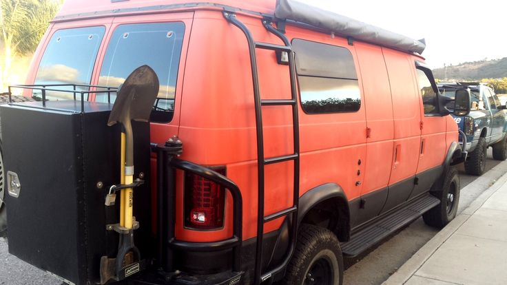 Ford E350 Van With Aluminess Rear Bumper Deluxe Box