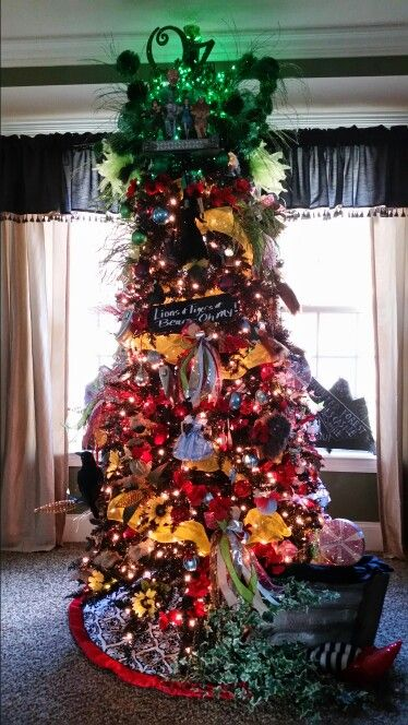 My 2015 Wizard of Oz themed christmas tree. | summer camp | Pinterest |  Christmas, Wizard of Oz and Christmas tree themes - My 2015 Wizard Of Oz Themed Christmas Tree. Summer Camp