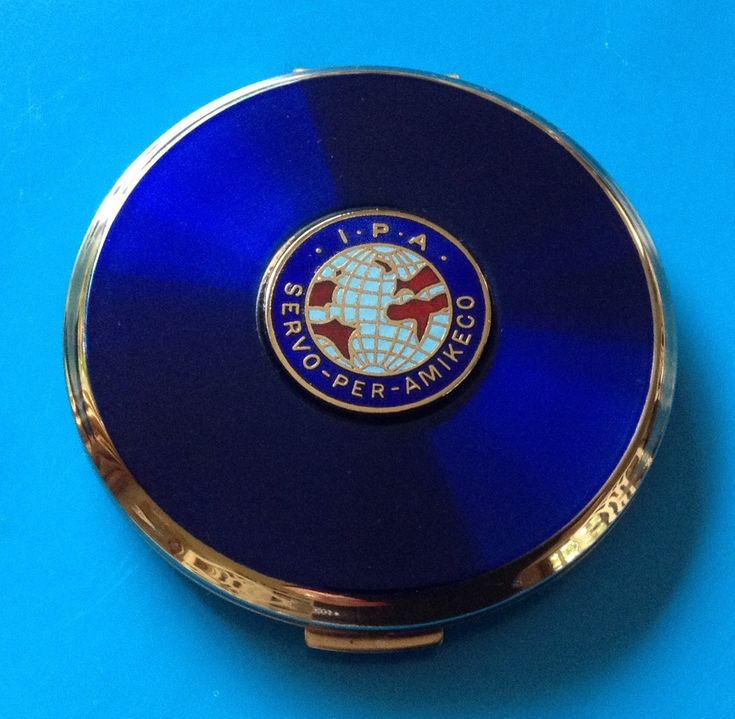 Excited to share the latest addition to my #etsy shop: Vintage Stratton powder compact featuring The International Police Association IPA.