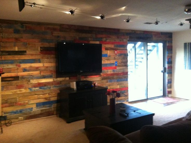 Our basement pallet wall... total cost $30!! | projects I ...