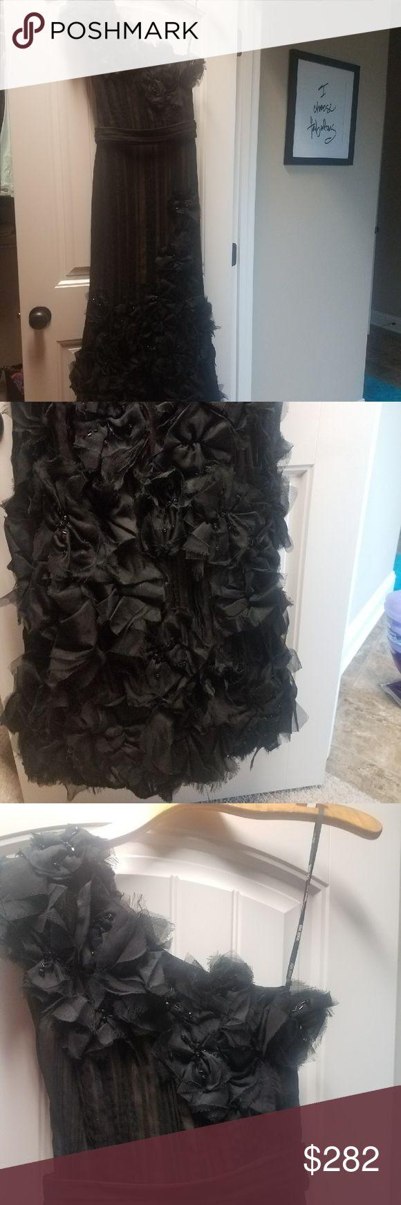 "Tadashi Shoji Ball gown ""Belle of the Ball"" Gorgeous Tadashi Shoji Ball Gown in size 6. Worn twice Tadashi Shoji Dresses"