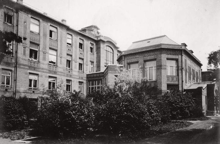 Üllői út 78/b. Pázmány Péter Tudományegyetem (ma Semmelweis Egyetem) III. sz. Belgyógyászati (ma Urológiai) Klinika.