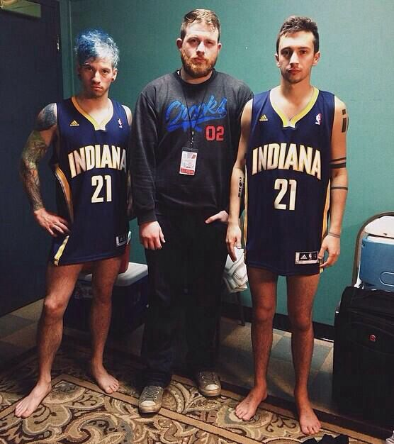 Twenty one pilots skeleton clique Josh Dun and Tyler Joseph.  |-/ stay street stay alive power to the local dreamer
