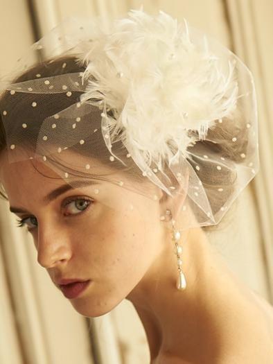 CA4LA (カシラ) FAIRY FLOSS (No.KTZ01330) フェザー×チュールボンネ - ウエディングドレスやアクセサリー、ブーケの通販|Cli'O mariage Online Store(クリオマリアージュオンラインストア)