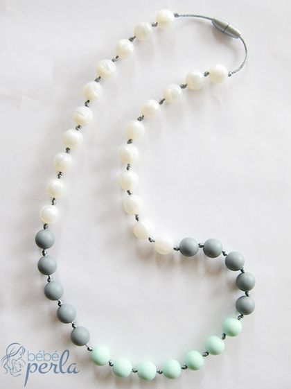 Silicone teething necklace - Pearly Mint www.bebeperla.com