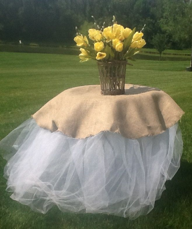 High Quality Perfect For Your Cake Table. Casually Chic Burlap And Tulle Tablecloth. Add  A Rustic And Charming Style To Your Special Event.