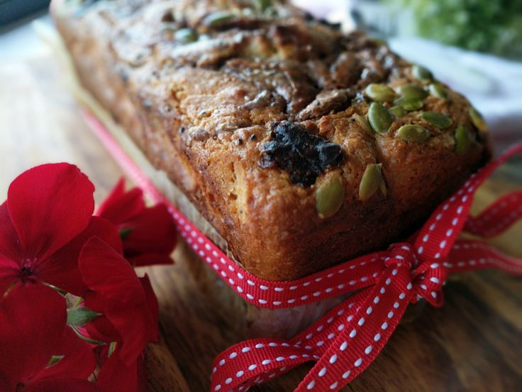 Treat yourself to this moist and decadent banana bread. There are so many varied textures and flavours each bite demands your attention. Subtle notes of orange, walnuts, soft dates and seeds work …