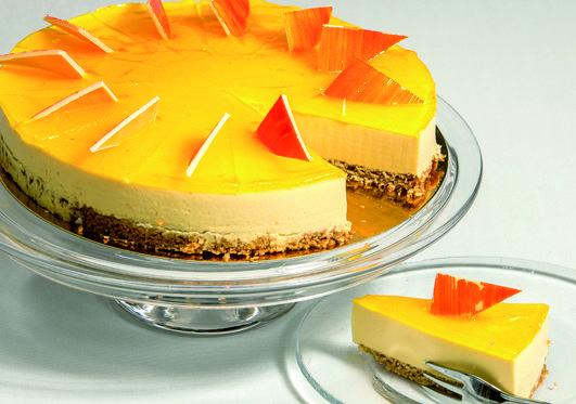Uusi rahkakakku kauraherkkupohjalla täynnä hyvää. Mango- ja passionpyreellä maustettu raikas rahkamousse aitoja makuja kunnioittaen. 12 hengelle. #linkosuonkahvilat #linkosuo #mangopassion #cake