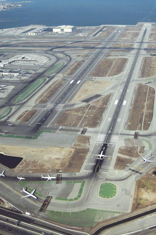 SAN FRANCISCO INTERNATIONAL AIRPORT | Nr. SAN FRANCISCO | CALIFORNIA | USA: *SFO; 4 Passenger Terminals; 4 Runways*