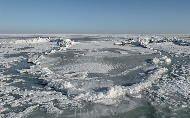 http://ift.tt/2jr6Zkd #Nature_breathtaking #Photos Frozen Sea of Azov by tuzlay