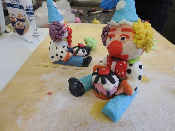 """https://flic.kr/p/CPrpcP   Przygotowanie tortu na przegląd młodzieżowych wieczorów rozrywkowych """"Blaga 2017"""".   Współfinansowany w ramach programu Unii Europejskiej Erasmus+"""