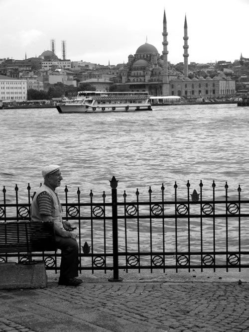 Essay on living in Istanbul with good links to resources