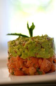 Einfache und schnelle Vorspeise - Lachstatar mit Avocado-Dip