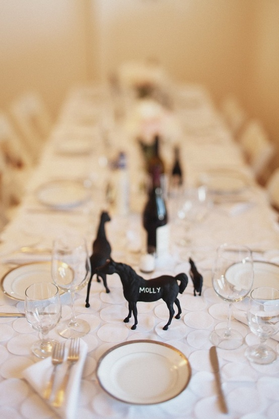 equine place setting - you could do this with any little trinket or figure actually - spraypaint with chalkboard, then it's the favor for the guest to take home at the end of the night. :)