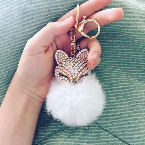New fox fur ball bag charm Fur Ball with Inlay Pearl Rhinestone Key Chain for Womens Bag or Cellphone or Car Pendant Accessories
