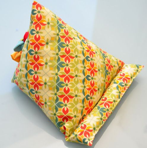 How to make an iPad or tablet stand or beanbag. Sewing tutorial and video tutorial.