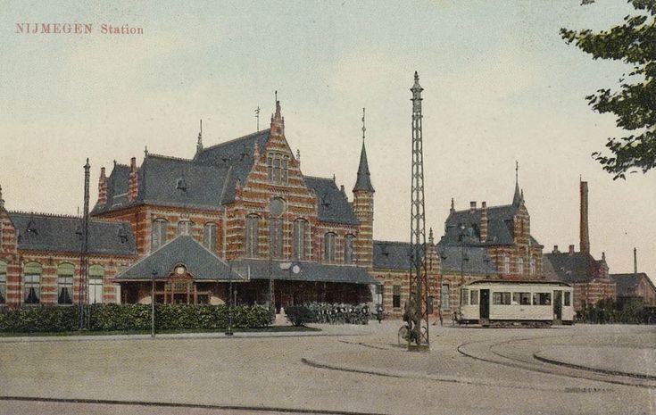 Nijmegen Station Straatzijde Ingekleurd