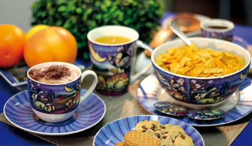 Cappuccino, cereals, juice and biscuits with our CATS & DOGS AT NIGHT!