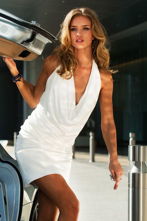 3 white dresses song no megan