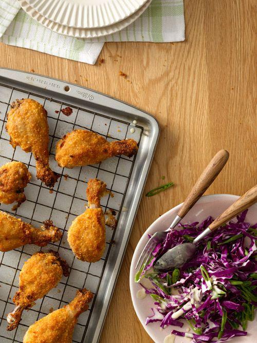 Pollo crujiente con ensalada de col morada