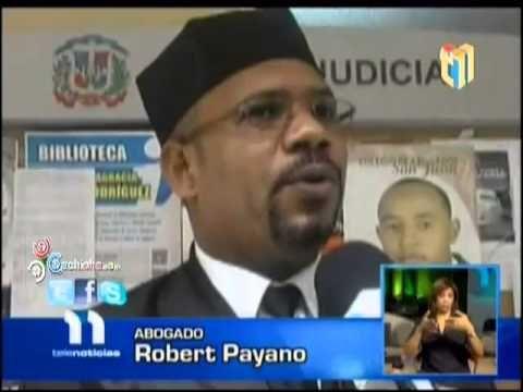 Haitiana se orina y defeca en la Bandera Nacional Dominicana #Video - Cachicha.com