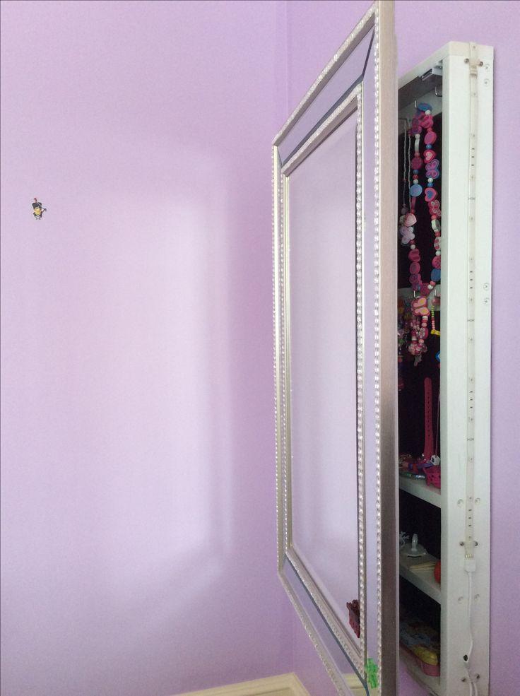 11 best miroir rangement bijoux images on Pinterest   Jewellery ...