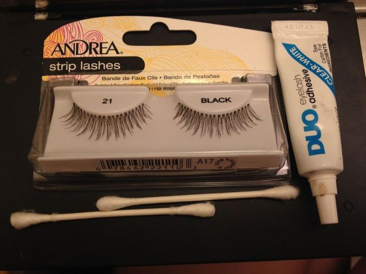 HOW TO: Applying False Eyelashes Learning to apply lashes can be a difficult task for beginners, so today I'm going to tell you a few tips on how to apply them quickly and easily. • Don't get...