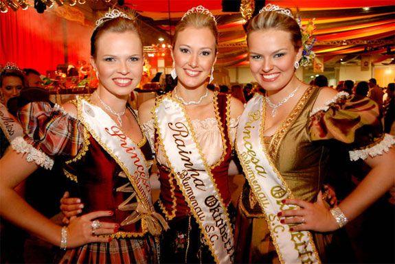 World Parties: Oktoberfest Blumenau, SC