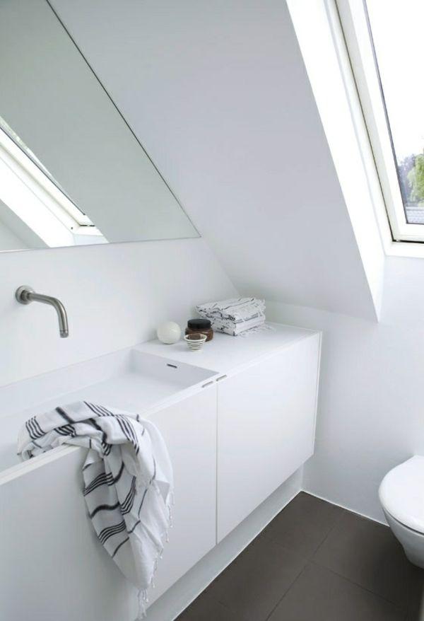 votre blanche salle de bain sous le toit