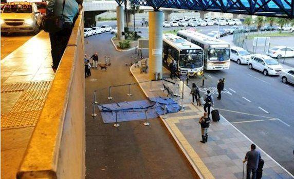 Casal cai do 2º andar do Aeroporto Salgado Filho, em Porto Alegre