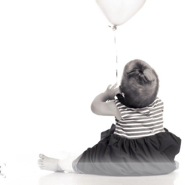 #babyphotography #baby #photography #studio #studioshooting #blackandwhite #girl #nikon #nikonphotography