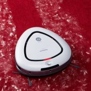 【大河原克行の「白物家電 業界展望」】素人発想からスタートしたロボット掃除機「ルーロ」が受け入れられたワケ - 家電 Watch