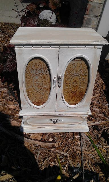 http://thriftytreasures.blogspot.com/2013/07/jewelry-box-makeover-plus-link-party.html