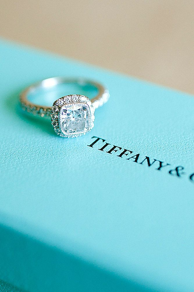 halo style engagement rings by tiffany 1