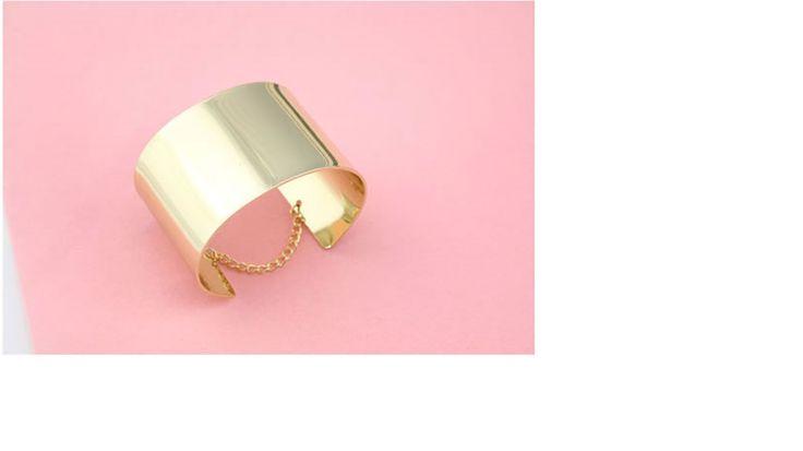 Gold Fashion bangle  Code: A22942  Price: R30.00