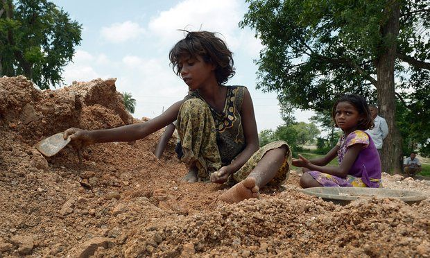 Deaf Indian children labour at a scrap mine in the Koderma district of the eastern Indian state of Jharkhand. ©Dibyangshu Sarkar