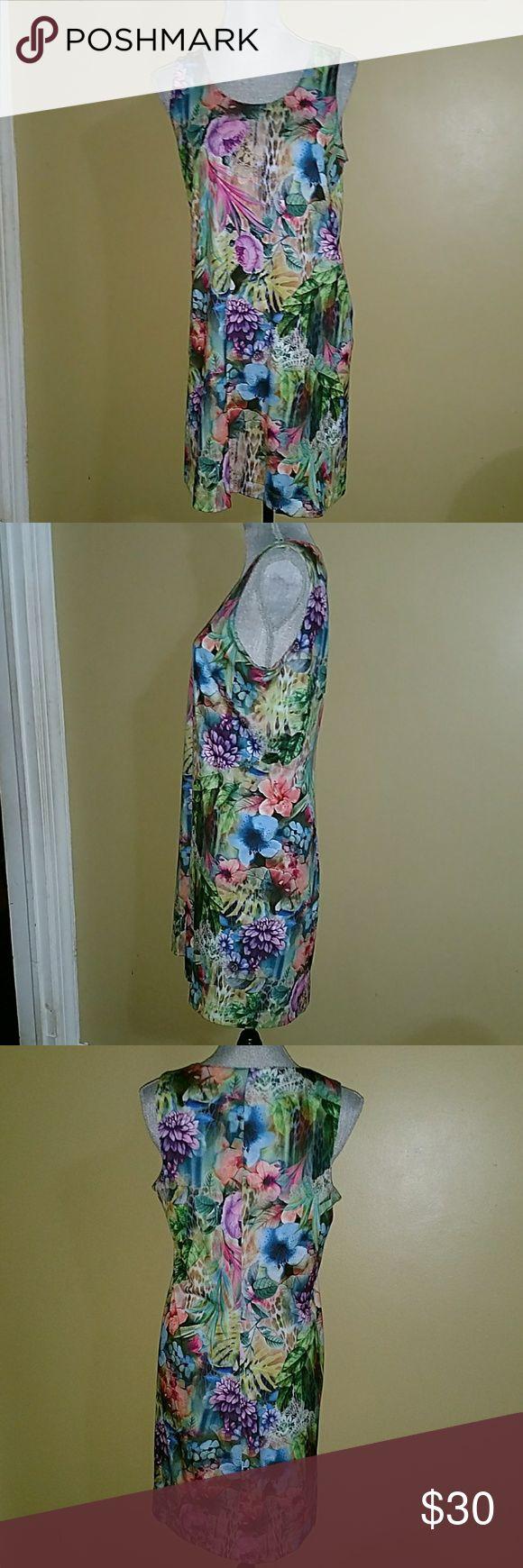 Carmen Marc Valvo Flower Print Dress Worn once, like new. Perfect luau party dress or any occasion. Slip on dress, no zipper closure. Soft, light weight. Carmen Marc Valvo Dresses Midi