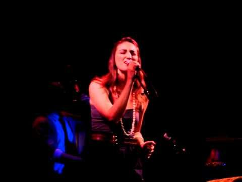 Sara Bareilles Live I Still Haven't Found What I'm Looking For At Joe's Pub NYC 2/17/09 - YouTube
