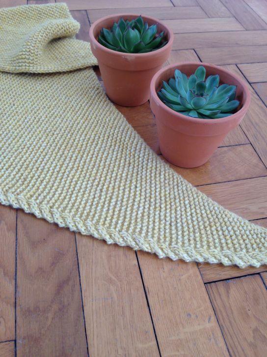 Tuto tricot : un trendy châle avec torsade                                                                                                                                                                                 Plus