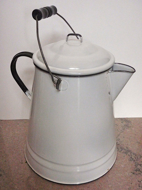 17 Best Images About Black Amp White Enamelware On Pinterest